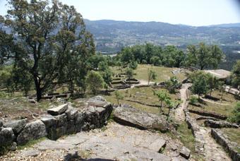 Autre aspect de la ville au sommet de la coline