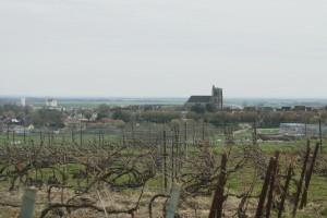 Cézanne en vue, la tour de l'église saint Denis nous indique le chemin