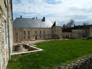 Château de Baye occupé par le foyer de charité acueuil des pèlerins