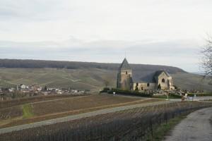 Eglise de Chavot. Moussy au fond