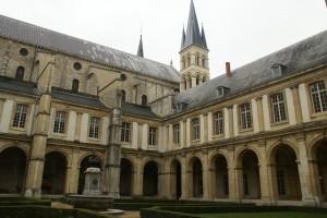 "cloître de l""abbaye"