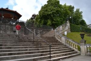 """L'ancienne arène romaine. Boucher d'Orsay les fit combler au XVIIIème siècle pour créer une promenade ombragée aux """"gens de qualité"""""""