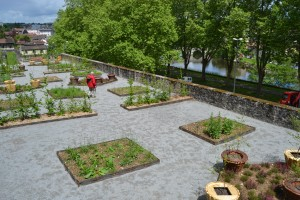 Le jardin épiscopal en paliers